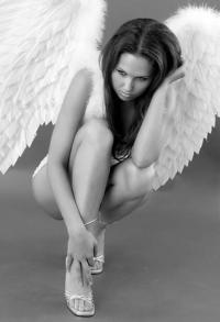 аватарка для контакта девушка ангел